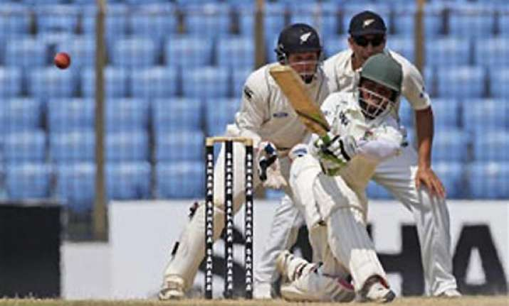 bangladesh hangs on for draw in 1st test vs new zealand