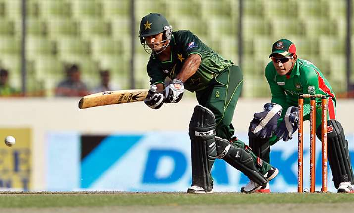 pakistan beat bangladesh by 2 runs win asia cup