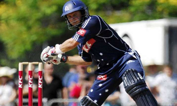 brad hodge to play for melbourne renegades in big bash