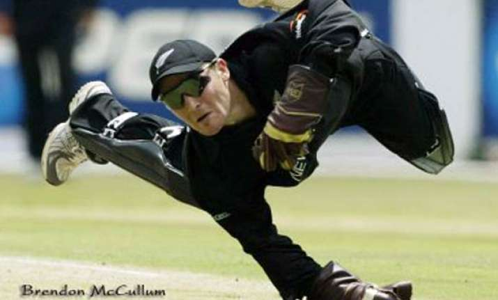 brendon mccullum to play for brisbane in t20