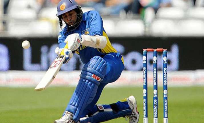 cpl dilshan replaces guptill in amazon warriors