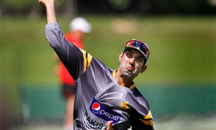 captain misbah back to boost pakistan in second test
