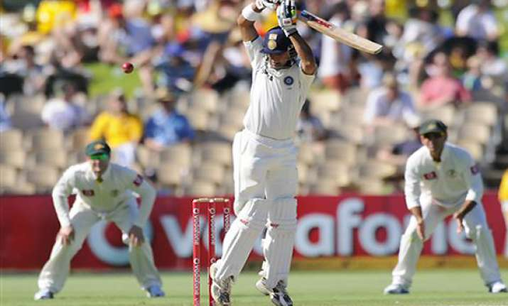 india struggling on 61 2 australia 604 7 declared