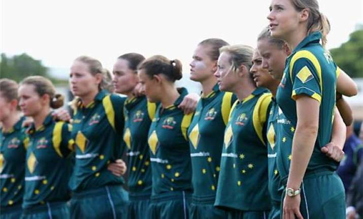 cricket australia hikes pay for top women players