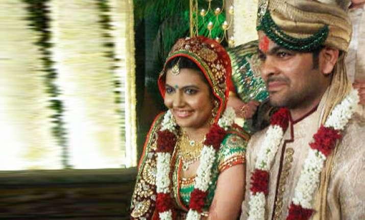 cricketer r p singh weds devanshi