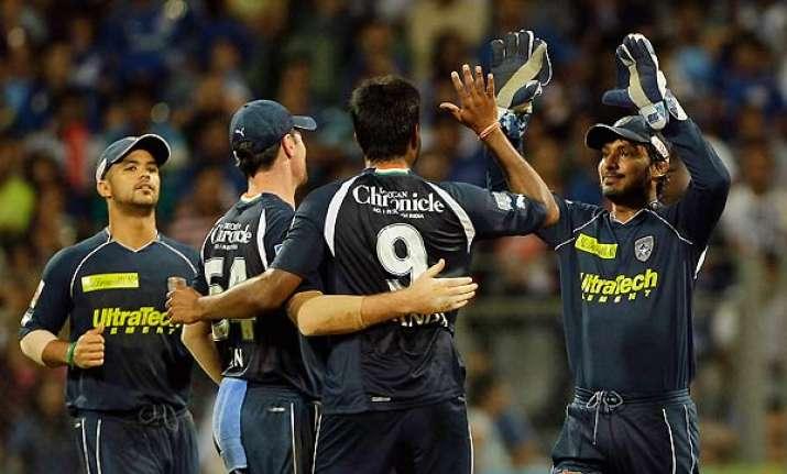 deccan chargers shock mumbai indians by 10 runs