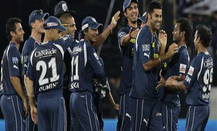 deccan end jinx at home ground crush bangalore by 33 runs