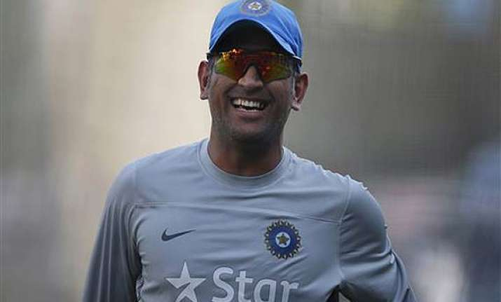 dhoni named captain of world t20 team of tournament