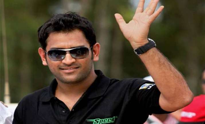dhoni pays rs 20 crore income tax in 2013 14