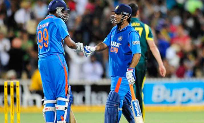 dhoni draws praise from rivals for being the finisher