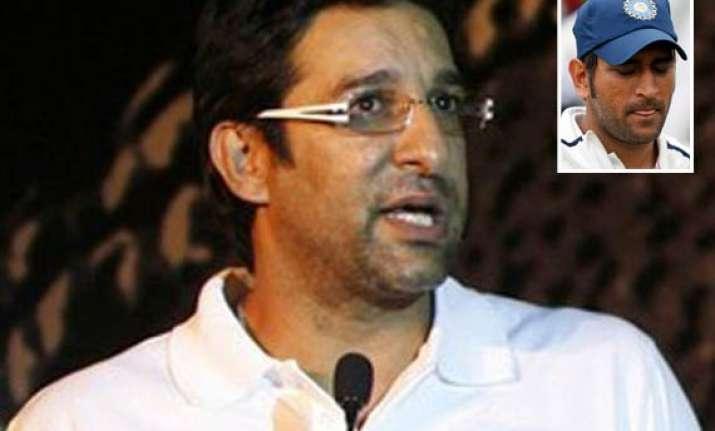 dhoni failed to inspire india against england akram