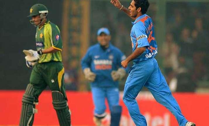delhi odi ind beat pak by 10 runs pak win series by 2 1