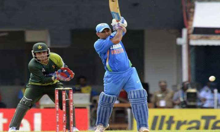 dhoni s hundred came under difficult conditions misbah