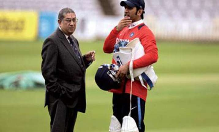did mahendra singh dhoni srinivasan misrepresent facts to