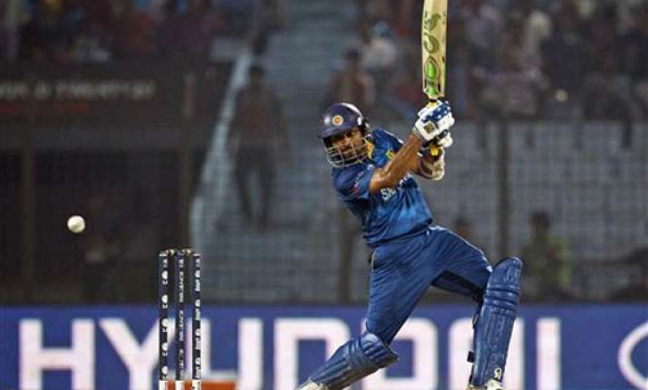 dilshan fined for dissent to umpire in t20 win