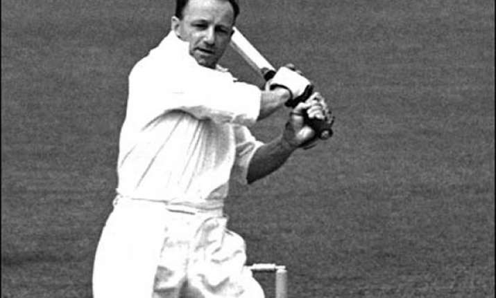 donald bradman bat auctioned for rs 39.85 lakh