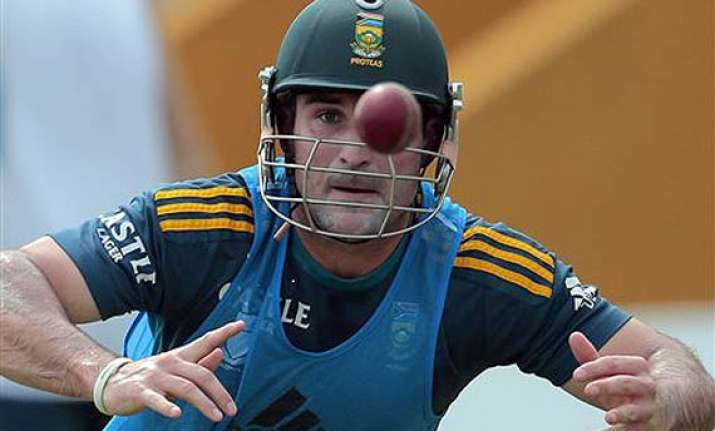 elgar takes south africa to 111 1 against sri lanka till