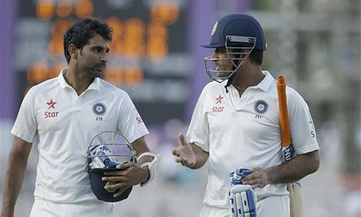ind vs eng england in control as india tottering at 323/8