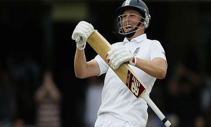 england leads sri lanka by 389 with 1 day left