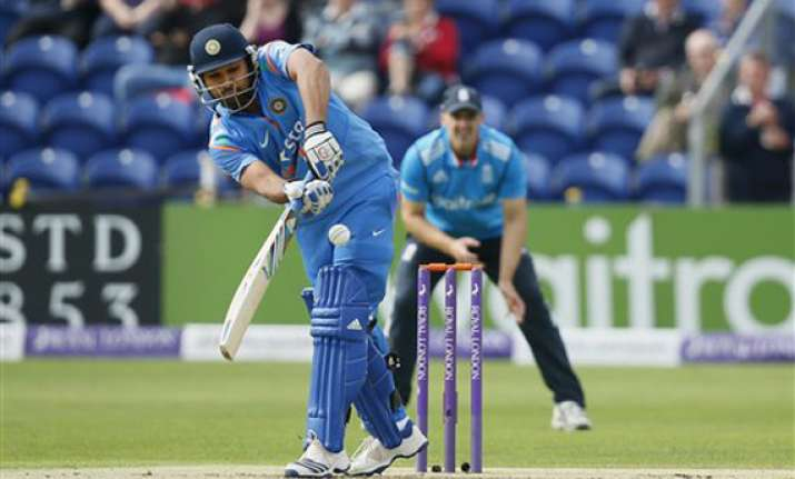 england put india in to bat in the 2nd odi