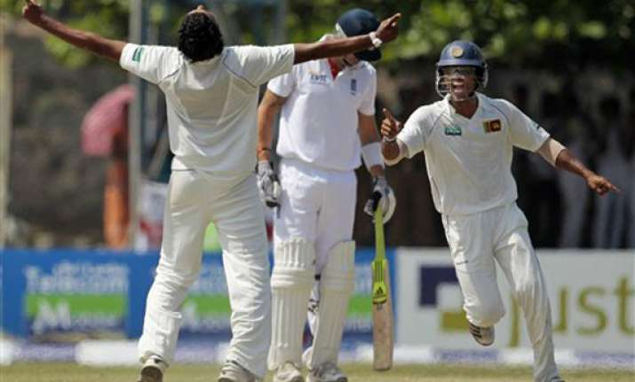 sri lanka beats england by 75 runs in 1st test
