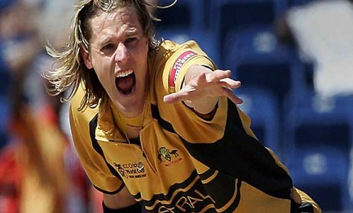 former aussie pacer bracken to roll arms in election field