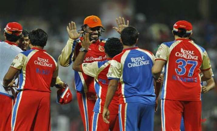 gayle s whirlwind 89 help rcb beat mumbai by 43 runs