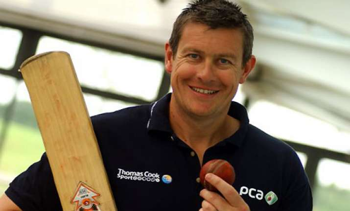 giles replaces flower as england s odi coach