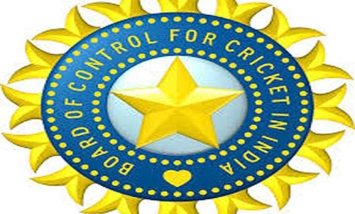 gujarat beat mumbai by 4 wickets