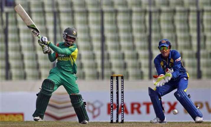 sri lanka beats bangladesh by 6 wickets
