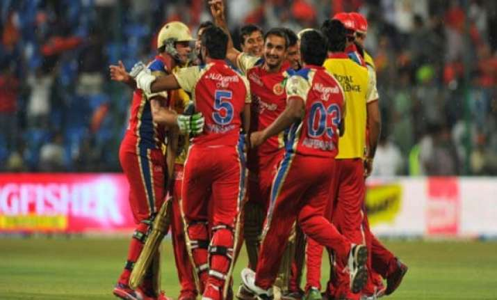 ipl 7 match 5 dominant rcb outplay mi by seven wickets