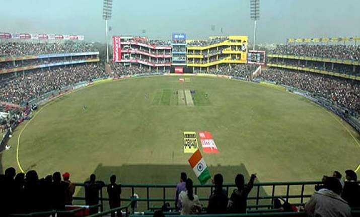ipl 7 delhi hc orders opening of kitchens sealed by sdmc at