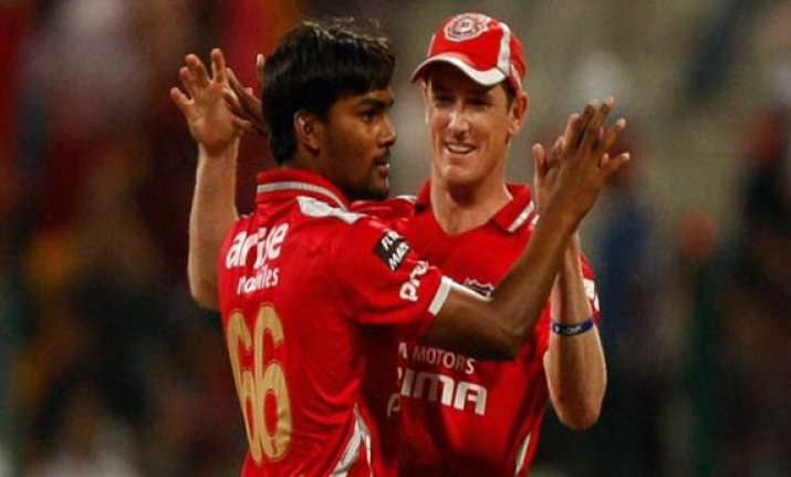ipl7 kings xi punjab won the toss and elected to field
