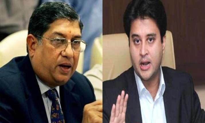 ipl spot fixing scindia calls for srinivasan s resignation