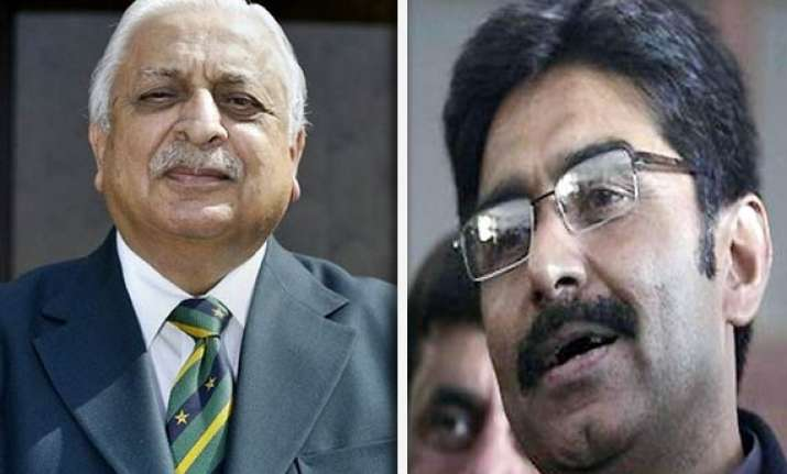 ijaz butt out miandad returns to pcb offices