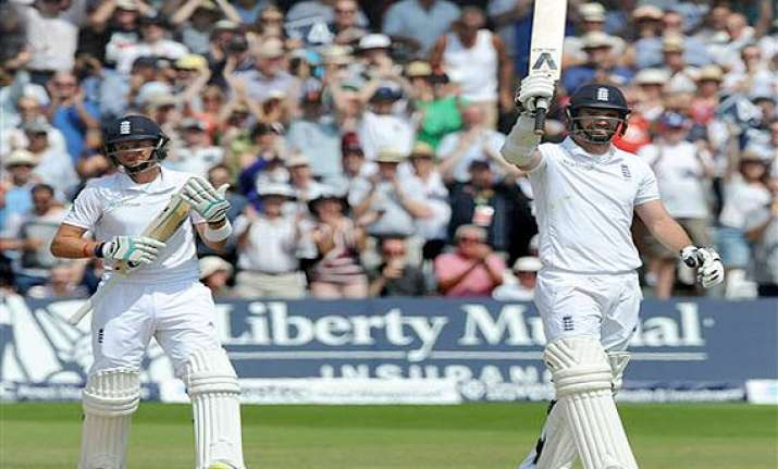 Catch all the highlights of the 2nd Test match between England and India played at Lords London