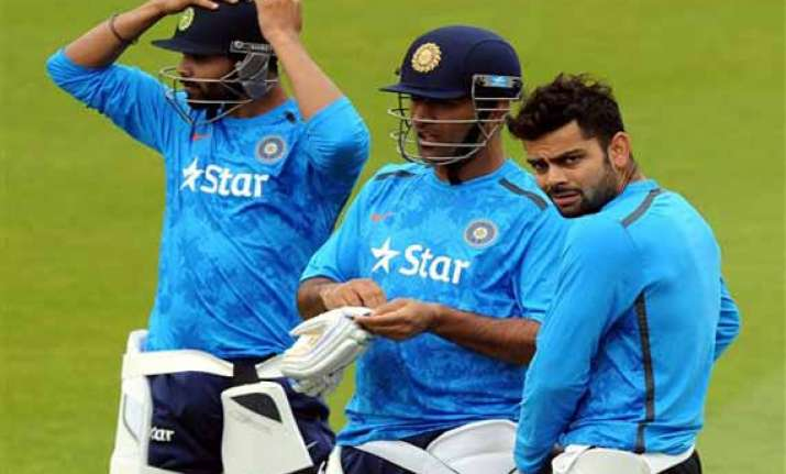 india look to consolidate lead against struggling england