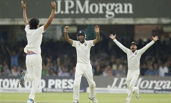 india strike late to leave england 173/5 at lunch on 5th