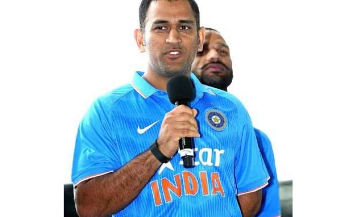 tri series hoping to be here for world cup final says dhoni