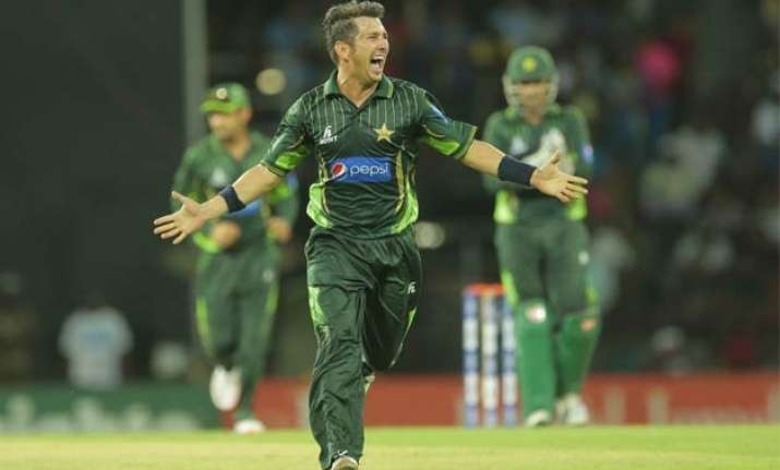 pakistan hammers sri lanka by 135 runs in 3rd odi