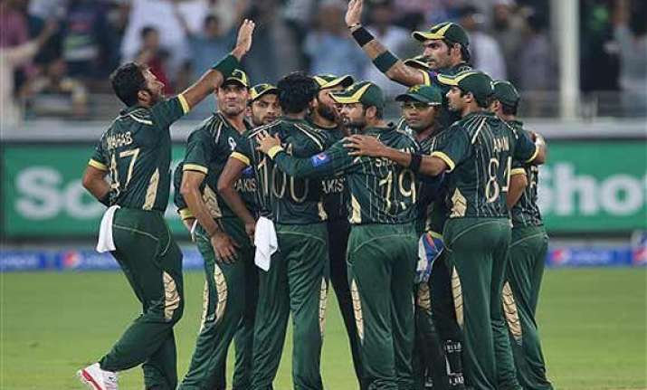 pakistan likely to throw spin challenge to aussies