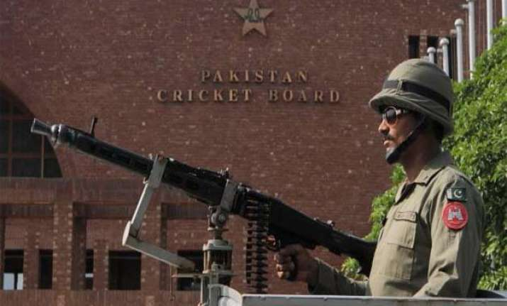 zimbabwe arrive in pakistan amid heavy security