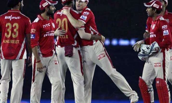 ipl 8 kings xi punjab win rain hit match against rcb