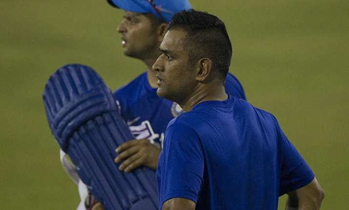 dhoni made a scapegoat can play for another 3 5 years sunil