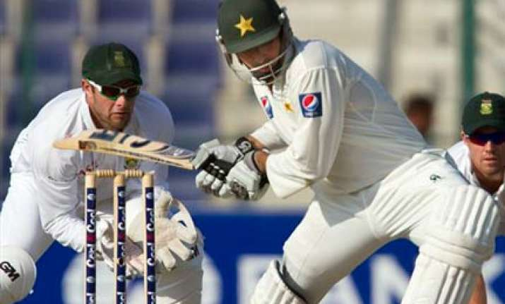 misbah helps pakistan draw south africa series