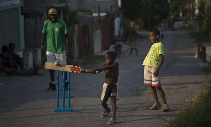 cricketers fight for foothold in baseball mad cuba