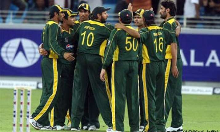 rejuvenated pakistan beat new zealand in first t20