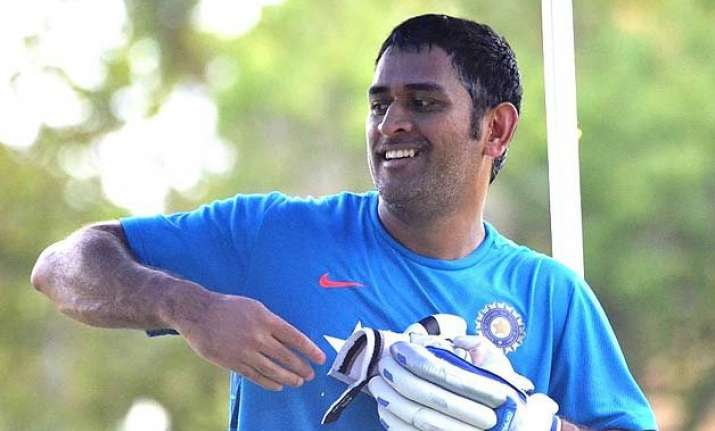 world cup 2015 injury scare for india skipper ms dhoni