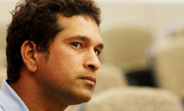 umpires should only decide lbws says sachin