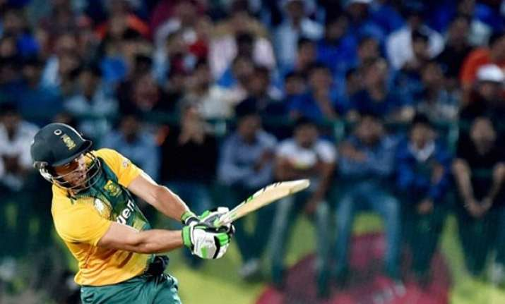 ind vs sa 1st t20i duminy guides south africa to seven